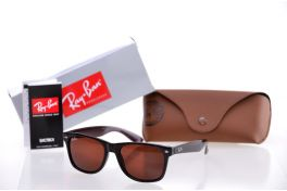 Солнцезащитные очки, Ray Ban Wayfarer 2140c7